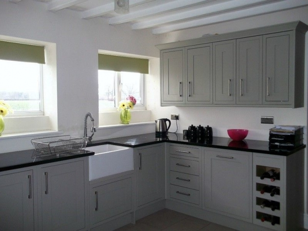 Dekoracja Okna W Kuchni W Mieszkaniu Projekt Kuchni Z Oknem