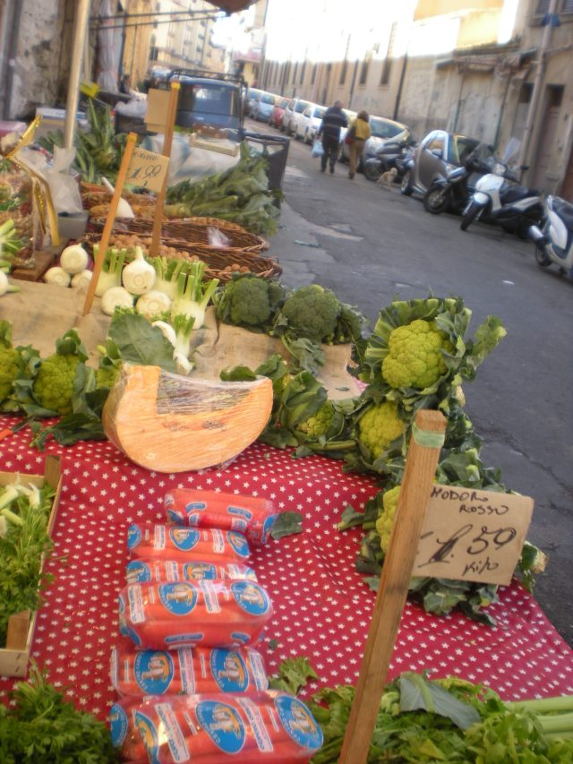 Palermo Market with good food for sale and can be purchased on a day trip to Palermo