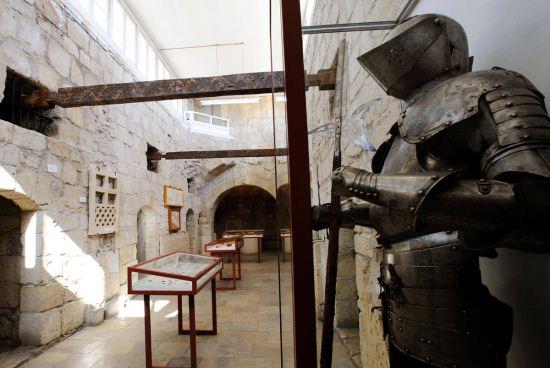 экскурсия в замок Ричарда Львиное Сердце