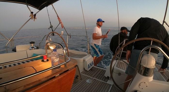 Прогулки на яхте в Лимассоле на закате