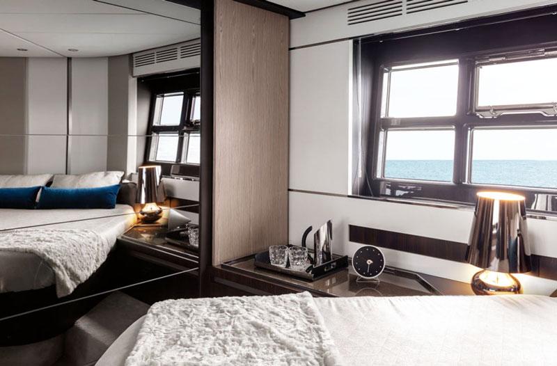 Яхта в аренду azimut s6 Кипр
