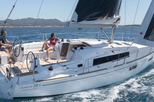 Чартер яхты в Лимассоле oceanis 38.1