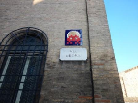 Invader, mozaika na Via di Roma, Rawenna