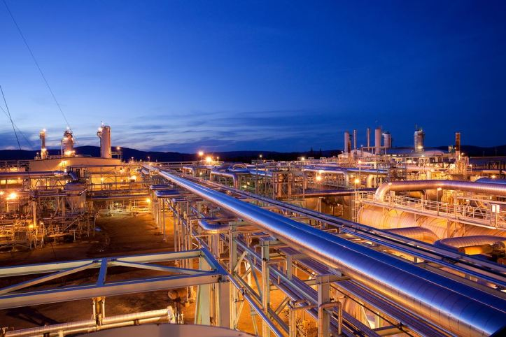 Oil Gas refinaries pipelines