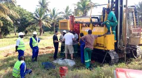 Savanaah Resources  - Mozambique drilling Nov 2013 044