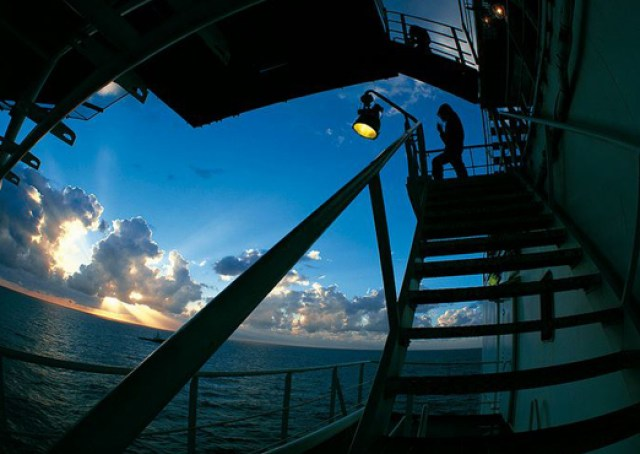 oil Eni-hits-gas-offshore-Gabon