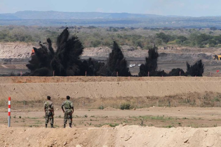 vale-moatize-coal-mine-explosion-procedure-was-done-during-the-celebration-of-the-beginning-of-mining-activities-in-mozambique-credits-vale-agency