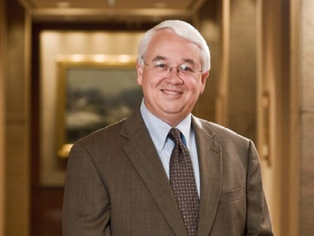 exxonmobils-senior-vice-president-retires-492x370.jpg
