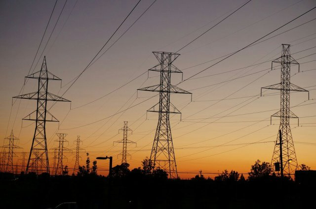 power-lines-997249_960_720-1525791809.jpg