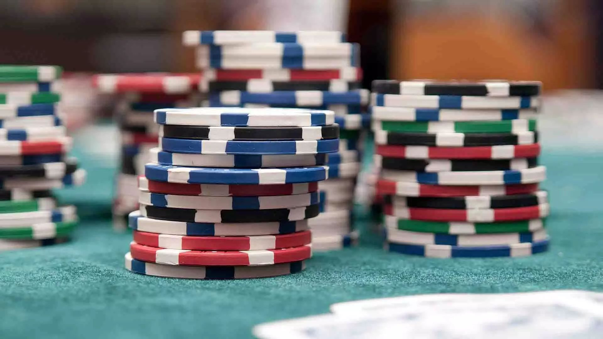 Advantages Of Poker Game Table