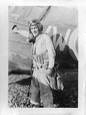 Kittyhawk with pilot 2