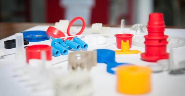Мелкосерийное производство изделий из пластика - серьезный бизнес и сегодня мы немного расскажем о том, как он работает. Виды, особенности, специфика.