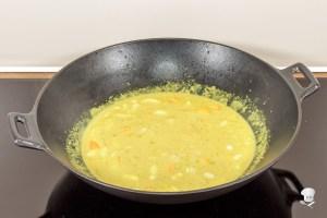 Curry, Kokosmilch und Gemüse