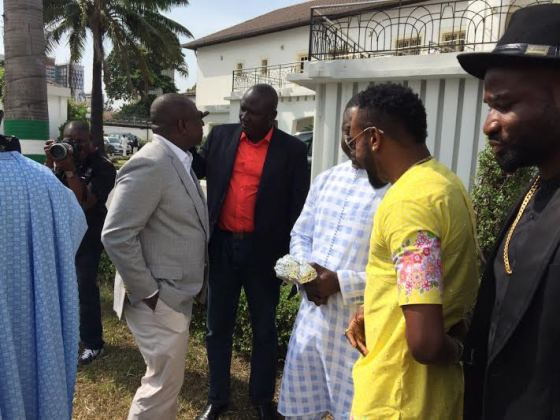 b 5Stars Kcee & Harrysong Visit Governor Ambode at State House