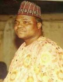 sir-mu.. Popular Nigerian Indigineous Rapper, Reminisce Loses Father