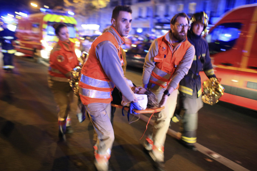 20151114_PARIS_HP-slide-GX2Y-jumbo Shocking, At least 120 dead in Paris attacks, Hollande declares emergency