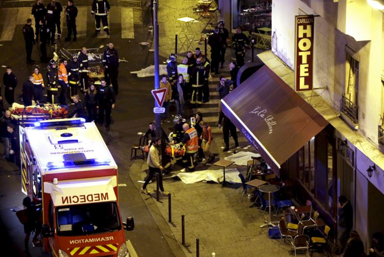 paris-attack-92-1 Shocking, At least 120 dead in Paris attacks, Hollande declares emergency