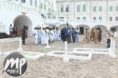 wp-1469422059332-1 Photos From Ooni of Ife's visit to Cape Coast Castle of Slaves in Ghana
