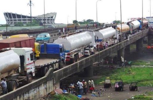 Petro tankers return to Eko bridge barely 24hrs after Buhari's Visit to Lagos