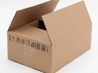 Средние картонные коробки