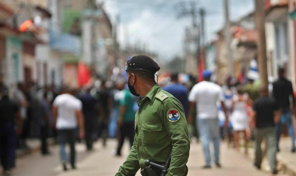 """Die Gegenreaktion der WHO: In Kuba wird nach der Ablehnung des Covax-Fonds eine """"Farbrevolution"""" aktiviert"""