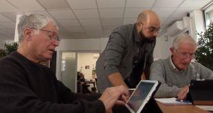 Des cours pour aider les personnes du bel âge à se familiariser à Internet