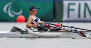 La championne handisport Nathalie Benoit fête sa médaille olympique au Rowing Club