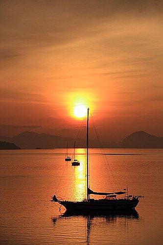 2011 – 7月 檳城, 浮羅交怡之旅 Day 5 – Langkawi cable car – Island Hopping – 餵老鷹 – 瓜鎮 – Mandy & Q Travel Blog