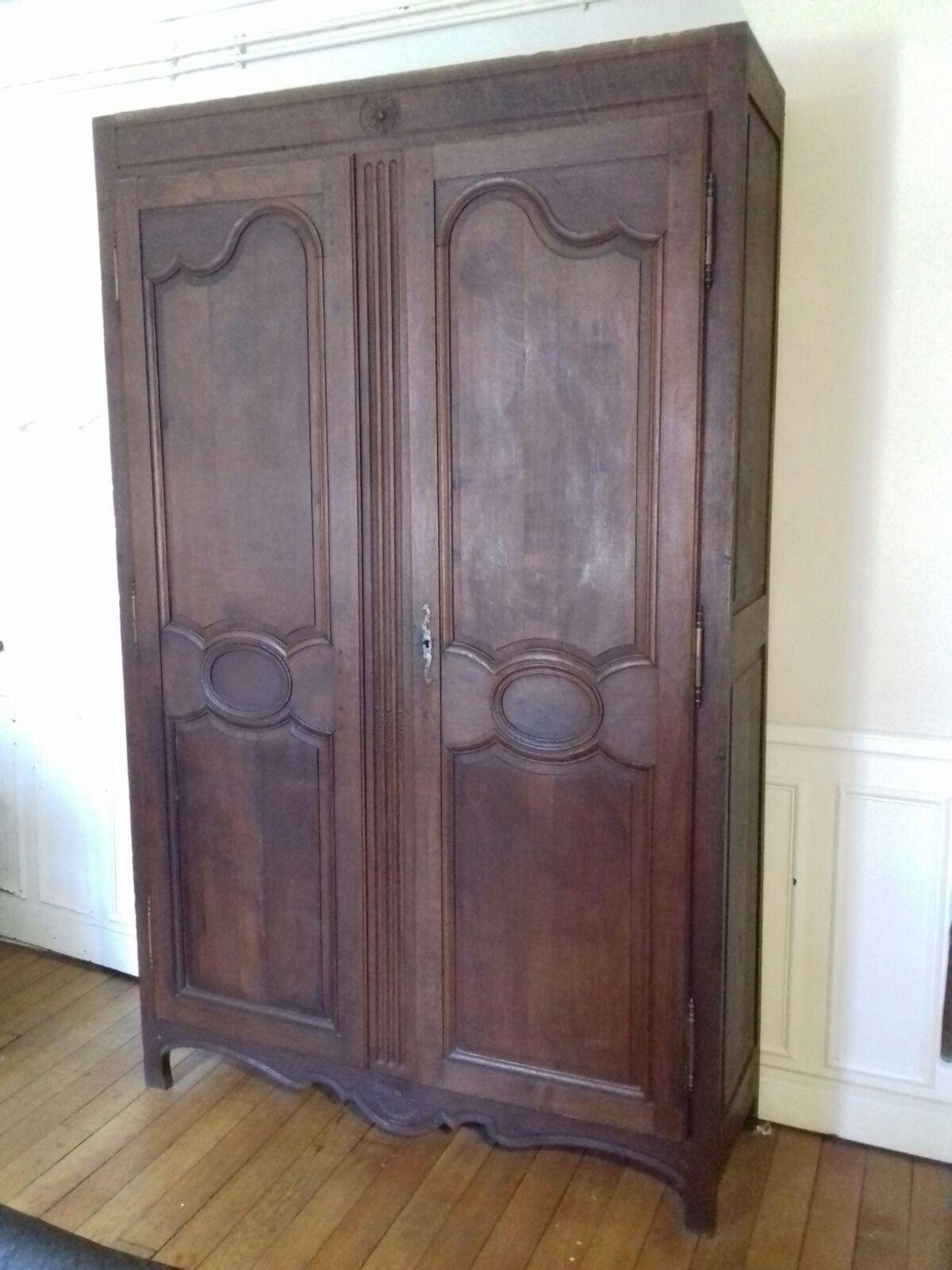 armoire ancienne en chene massif