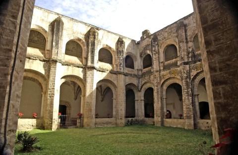 Tlayacapan: Ruta de Conventos en Morelos
