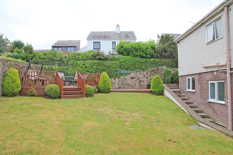 3 bedroom property for sale in Llys Gwyn. Caernarfon. North Wales - Offers over £300.000