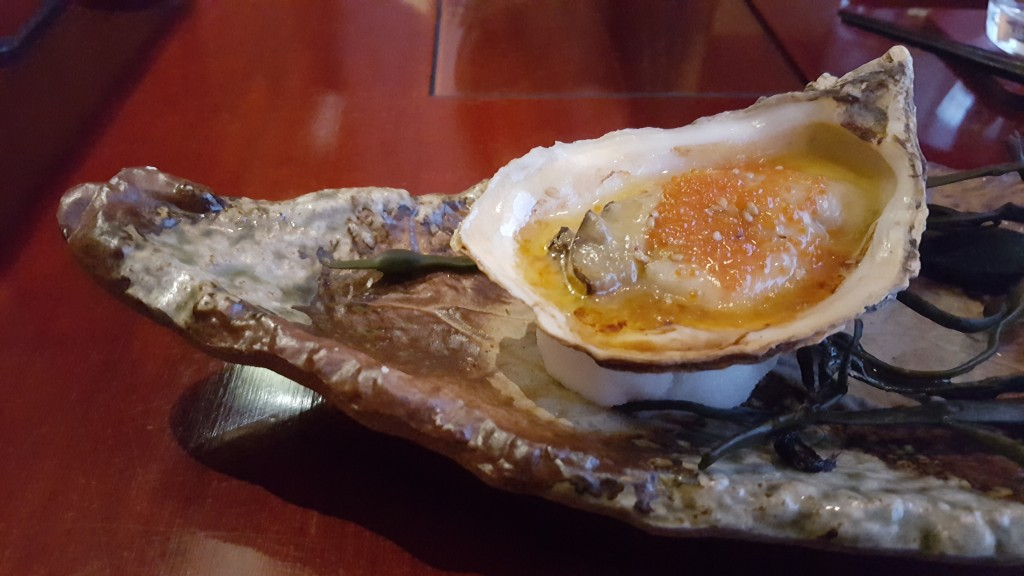 Grilled_Oyster_Tsukiji_Restaurant