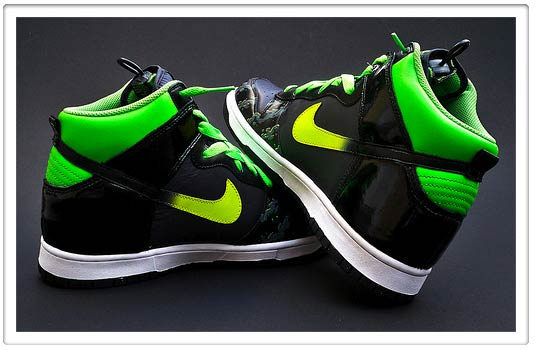 Free Wallpaper For Iphone 5s Iphone Savior 2 500 Nike Xbox Sneakers Scream Kanye West