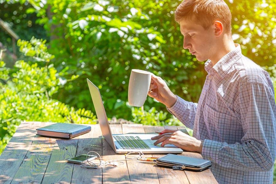 Bien-être au travail : 3 raisons pour travailler en extérieur
