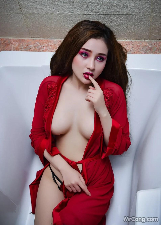 Image MrCong.com-Ngan-98-chup-anh-khoa-than-khoe-nguc-001 in post Ngân 98 táo bạo khoe ngực trần trong bồn tắm