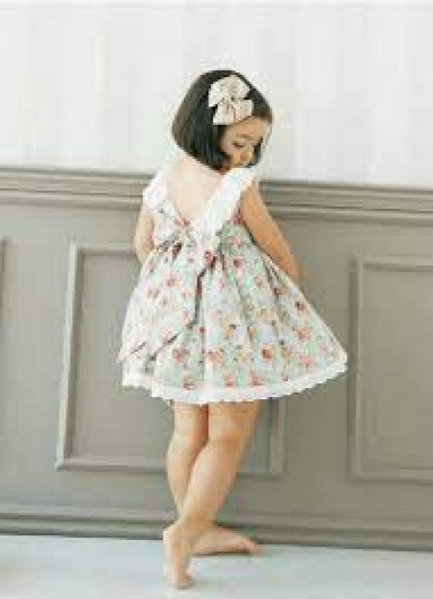 Patron robe fille gratuit à télécharger