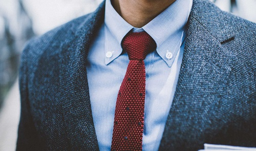 A GUIDE TO MEN'S SHIRT COLLAR STYLES