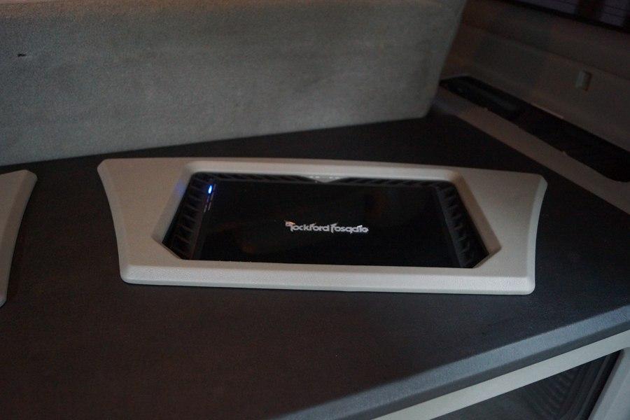 2004 Cadillac Escalade Rockford Fosgate Amplifier Custom