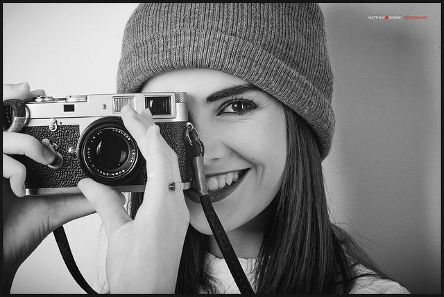 Leica M2 Review (+ M2 vs Bessa R3A)