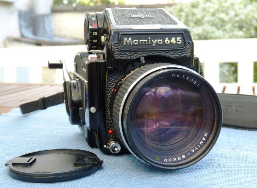 Mamiya 645 1000S camera