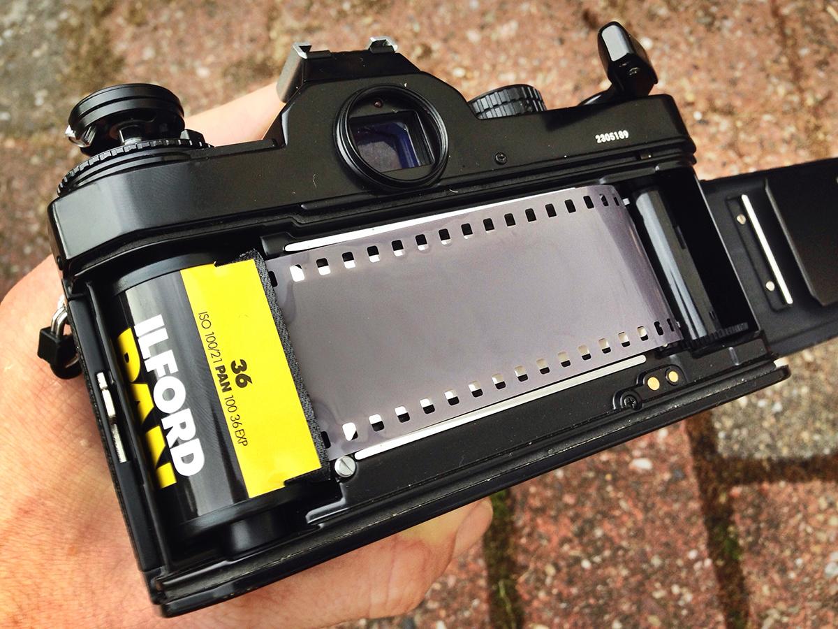 Nikon FE2 Portraits - Nikon FE2 film loading