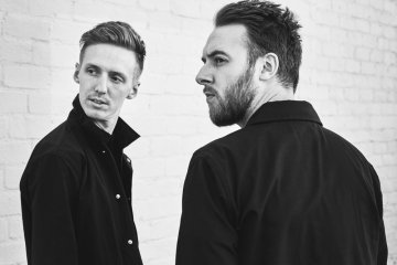 HONNE Warm On A Cold Night