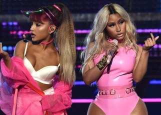Nicki Minaj - Bed ft. Ariana Grande