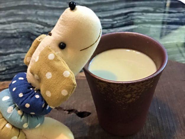 直火黑の烏龍純奶茶~沖泡式好喝茶味重烏龍奶茶首選!