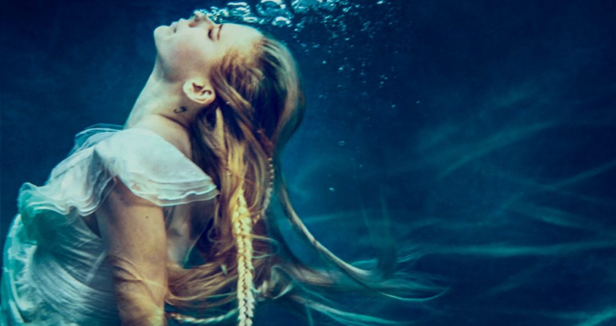 Avril Lavigne - Head Above Water