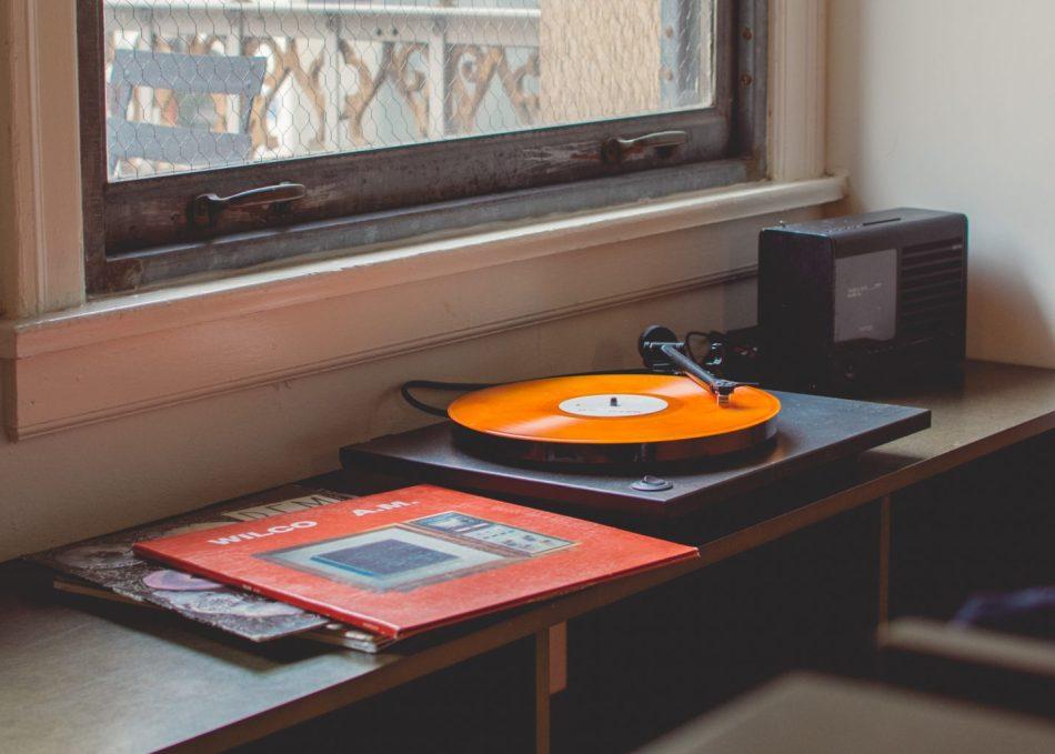 travis-yewell-273488-unsplash Hi-Res 高解析無損音樂下載、購買網站推薦