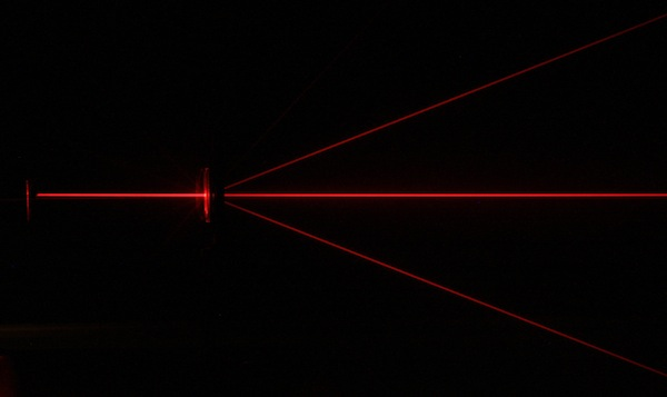 Diffraction of a red Laser beam with a diffraction grating