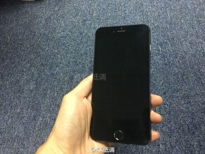 iphone7-black-space-visual-1