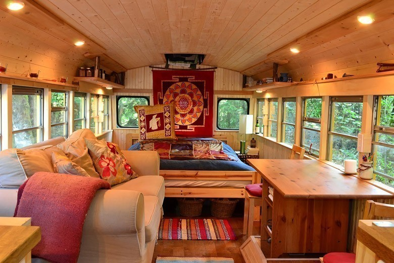 Extrêmement Ils ont transformé un « bus magique » en habitation de leur rêve KR35