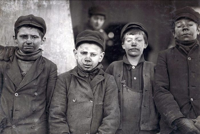 2-child-laborers-portrayed-by-lewis-hine-everett